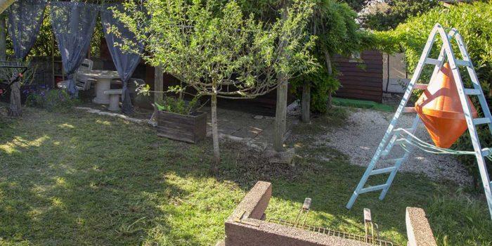 Le jardin privatif du gîte LE CABANON